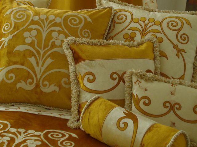 Collezione casa princess valentine raffinata biancheria per la casa milano - Cuscini decorativi letto ...