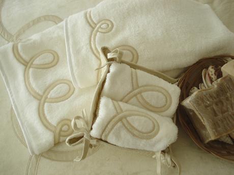 Prodotti valentine coordinati da bagno coordinati da tavola completi letto complementi d - Coordinati bagno ...